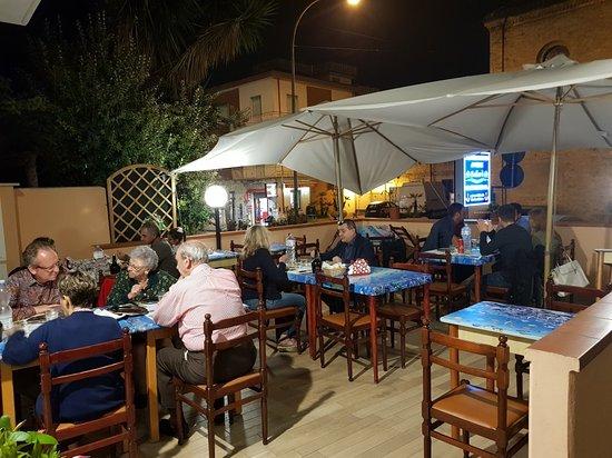 Porto d'Ascoli, Itália: Gastronomia Ballarè