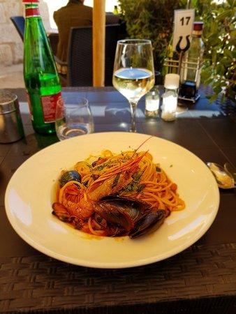 Senglea, มอลตา: the spaghetti allo scoglio on my table, outdoor