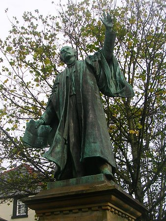 Thomas Edward Ellis Statue