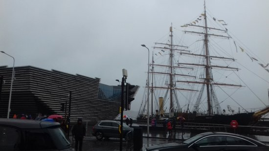 V&A Dundee: Right next door to Discovery.