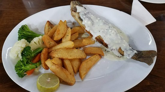 Mount Hagen, Papua Ny-Guinea: Local fish for dinner