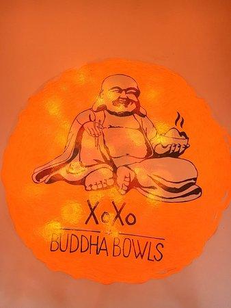 Darauf stehen wir - Unser Buddha begrüßt jeden.
