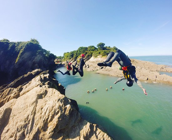 Berrynarbor, UK: Coasteering