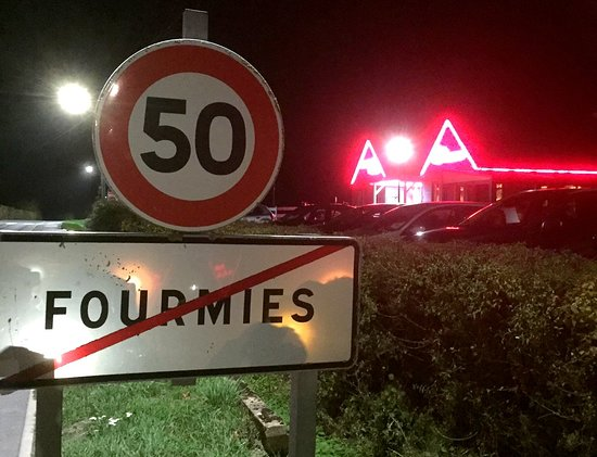 Fourmies, Frankreich: En sortie de la ville_La Petite Ferme de nuit.