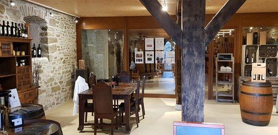Satigny, سويسرا: Дегустационный зал