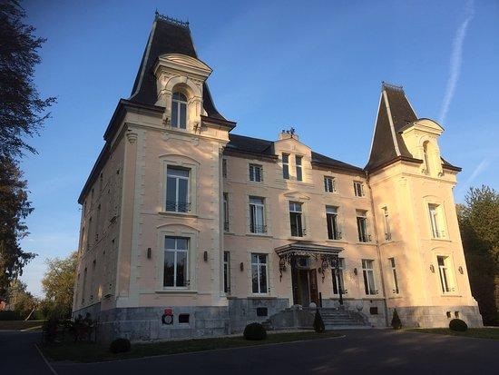Fourmies, Frankreich: La belle façade au soleil descendant
