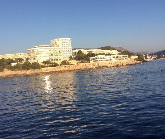 Cruzeiro panorâmico Game of Thrones de Dubrovnik com Karaka: Our hotel from ship