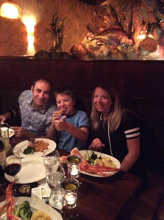 Middle Grounds Grill: My daughter and husband & grandson very happy with their choices .