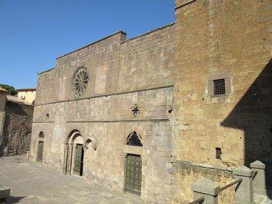 Chiesa di Santa Maria della Rosa: esterno della chiesa