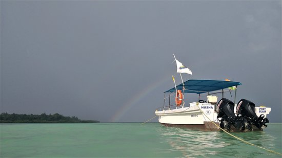 Gypsy divers Dive Boat HUSNA chasing Rainbow Dream