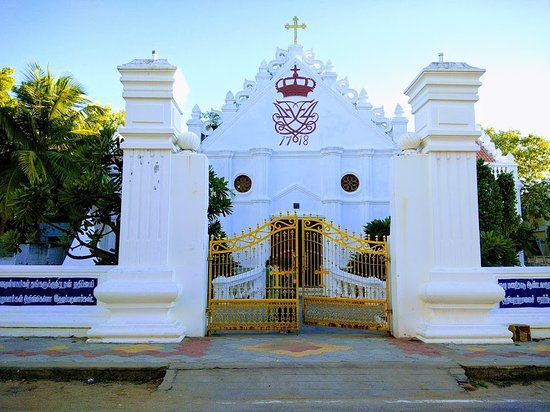 Tharangambadi, Indien: Front view of the church