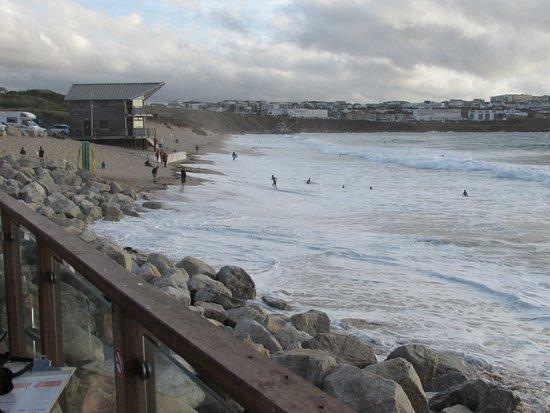 Fistral Beach Bar: High Tide