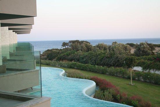 Atlantica Dreams Resort & Spa: partial sea view 1st floor & swim up on ground floor