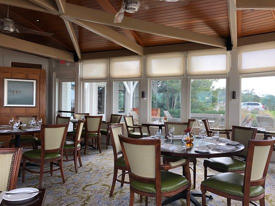 The Dining Room At Castle Hill Inn Area