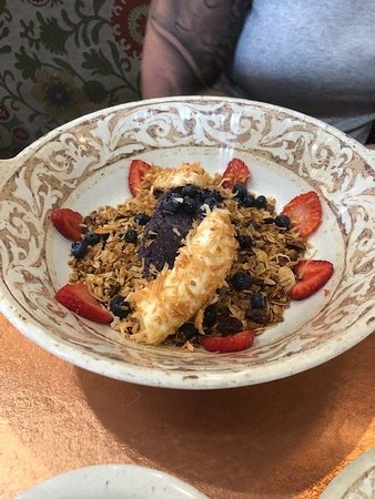 Another Broken Egg Cafe: the granola mix