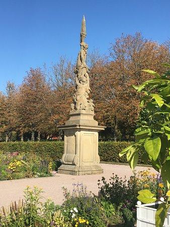 Weikersheim, Niemcy: Schönes Monument im Park