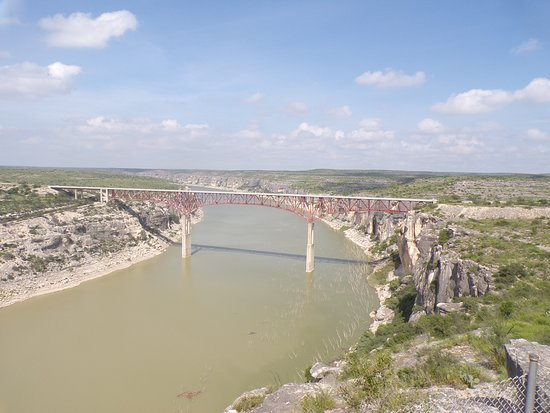 Langtry, Техас: its up their