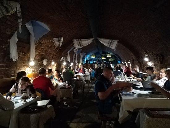 Crama Sibiul Vechi : Το εσωτερικό του εστιατορίου