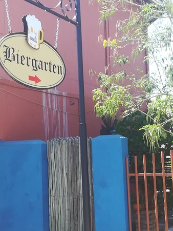 Outjo, ناميبيا: the FARMhouse Restaurant & Biergarten