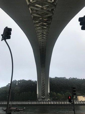 Porto Bridge Climb: Вид с остановки автобус 500