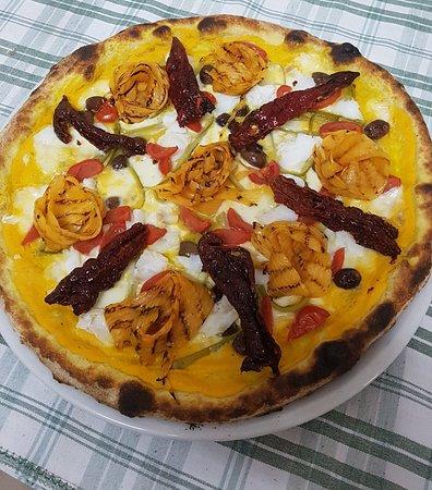 Rapolla, Италия: Il Covo Degli Artisti Del gusto Ristorante Pizzeria