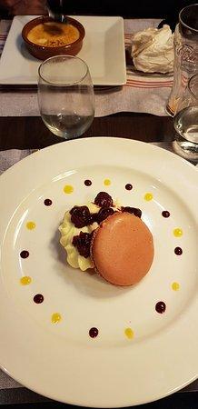 Friville-Escarbotin, Francia: Macaron aux fruits rouges