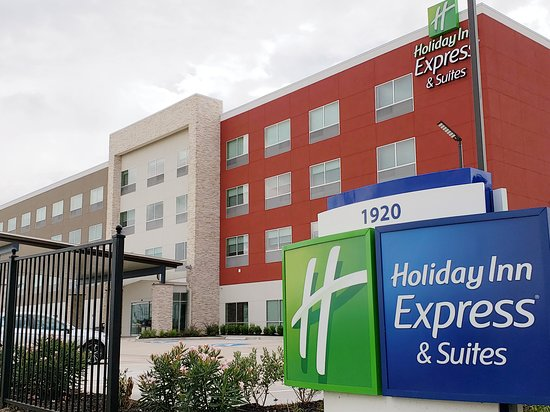 Holiday Inn Express Amp Suites Houston Iah Beltway 8 85