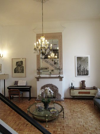 Casa Comtesse: Main salon