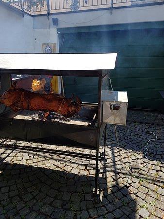 Freigericht, Duitsland: Spanferkel an spise