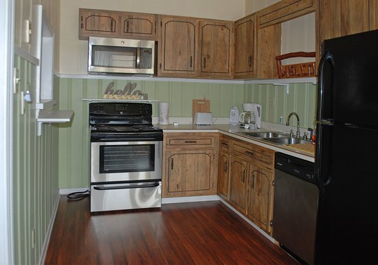 Mount Pleasant, PA: 2 bedroom kitchen