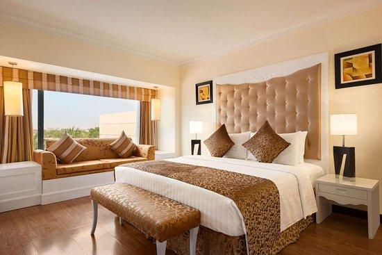 ラマダ プラザ カラチ ホテル