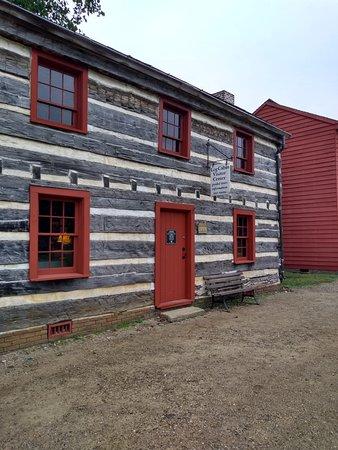 Vincennes State Historic Sites: Log Cabin