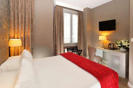 Emeraude Hotel Plaza Etoile: Classic Room - Hotel Plaza Étoile