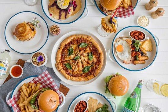 Club Helensvale: Cafe 22 menu options