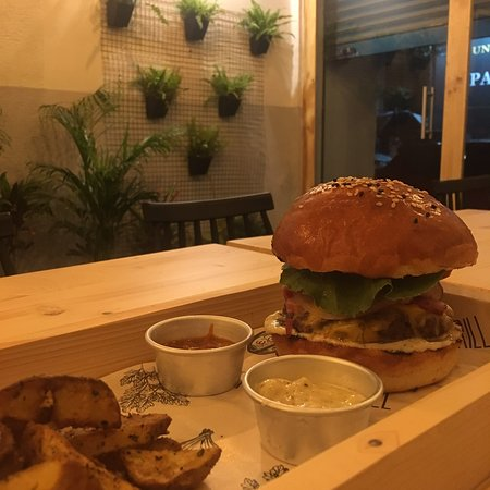 Mumbai City District, Indien: The Barn Grill