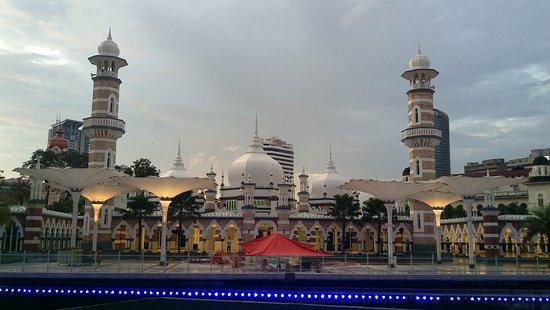 مسجد جامك: Front View