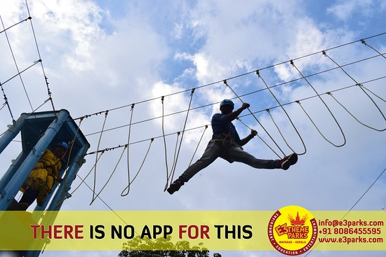 Vellamunda, الهند: Higher Rope Course For Adventure Lovers