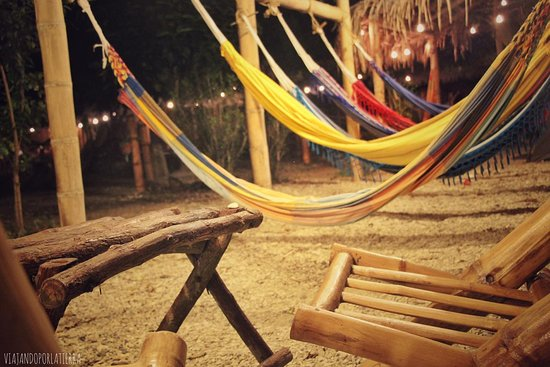 Puerto Cayo, Equador: Los espacios comunes, hamacas, y muebles rusticos