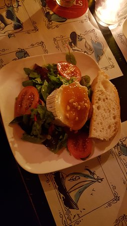 Cafe Sonneveld: young goat cheese