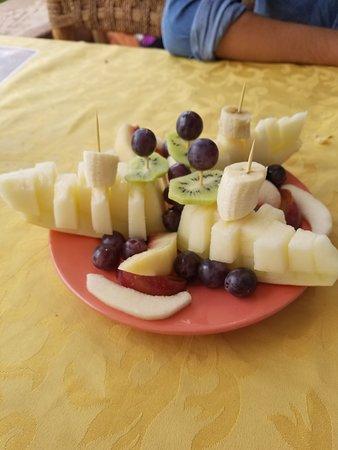 تيلويت, المغرب: Fruit Dessert