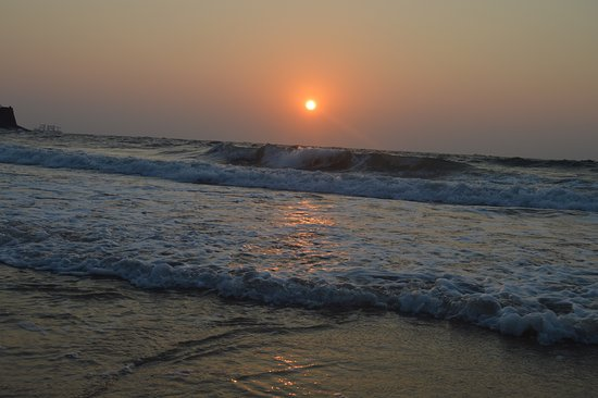 Sinquerim, Indien: Sun Set with Tide