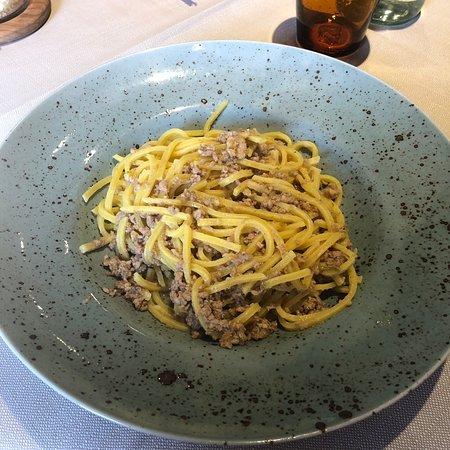Castelnuovo di Val di Cecina, Italy: Spaghetti alla chitarra al ragù bianco