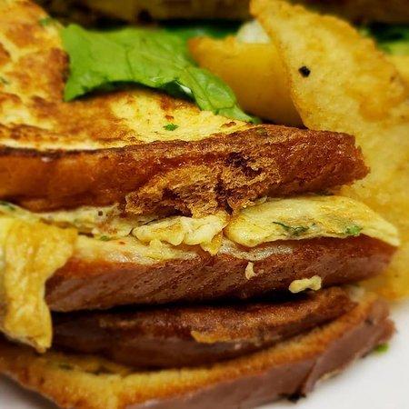 Urban Indian Cafe & Restaurant: BREAD OMELETTE SANDWICH