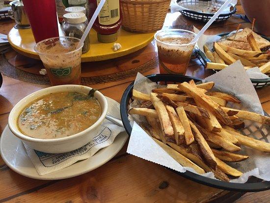 International Cafe & Saloon: Wonderful homemade food!