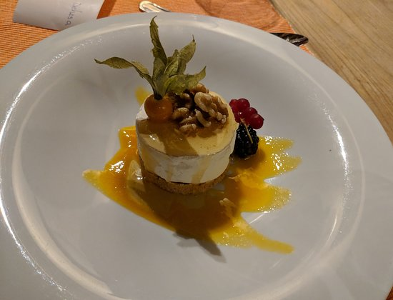 Valverdon, Spain: Cheesecake from the bar menu
