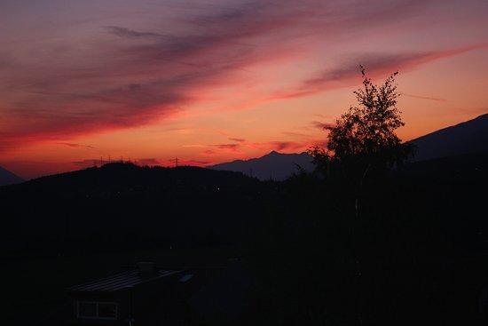 Mutters, Österreich: Zimmer nach Osten, Sonnenaufgang