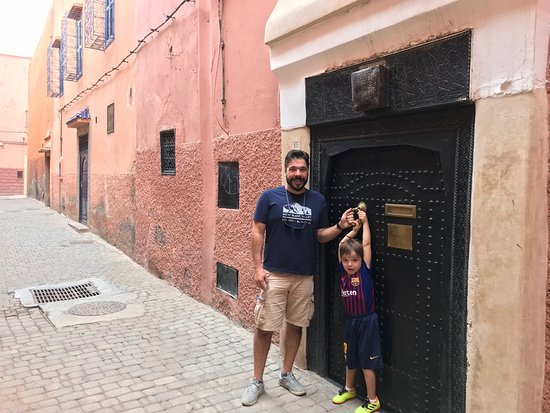 Riad Dar El Masa: Me and my son at the riad's entrance. All buildings in Marrakesh look the same, until you enter