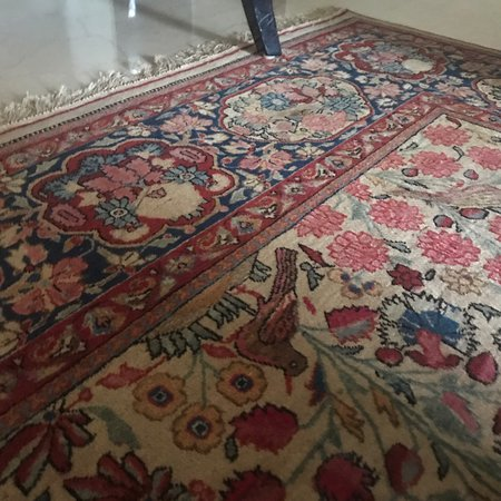 The Carpet Cellar: Persian carpets and rugs wool and silk