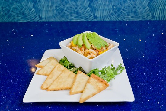 H2O Grill and Bonsai Sushi Bar: shrimp, mango and avocado ceviche heirloom tomato caprese