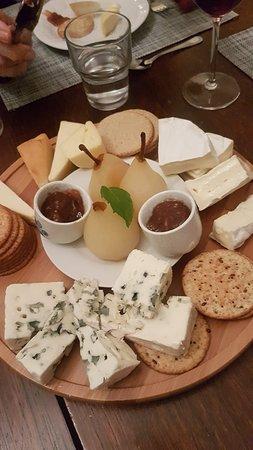 Aughrim, ไอร์แลนด์: Gorgeous Cheese plate!